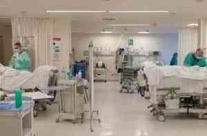 Descienden los casos y los hospitalizados por COVID en Castilla-La Mancha