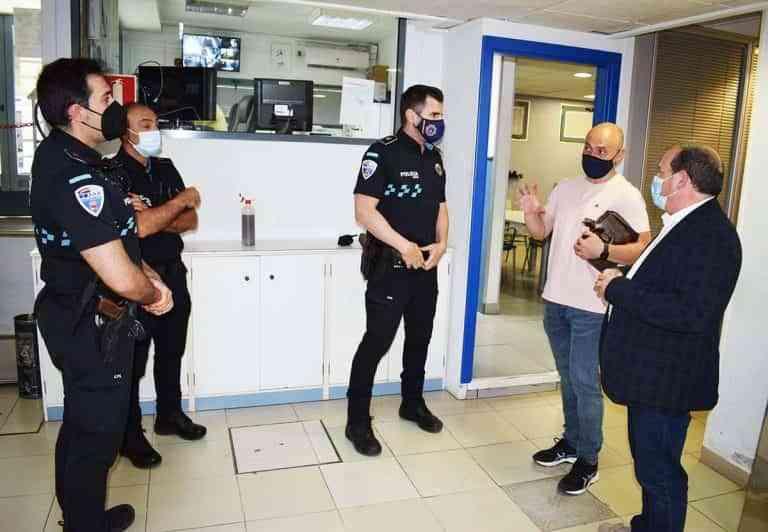 Adolfo Muñiz recorrió las instalaciones de la policía de Puertollano