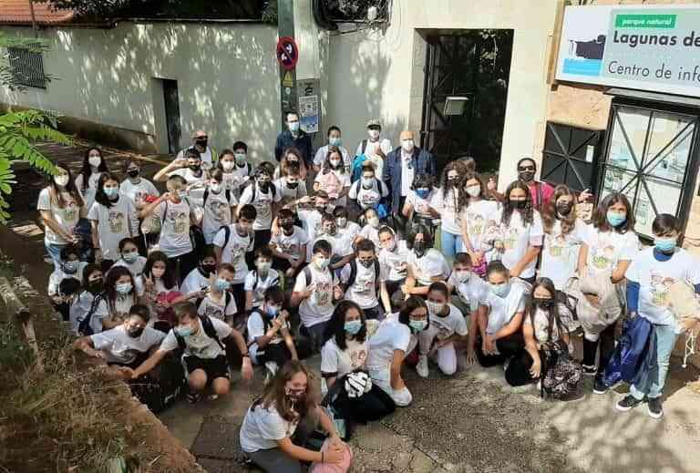 """El Gobierno regional lleva a Ruidera al alumnado del colegio """"Gregorio Marañón"""" de Toledo, ganadores del concurso """"Supercirculares 2021"""""""