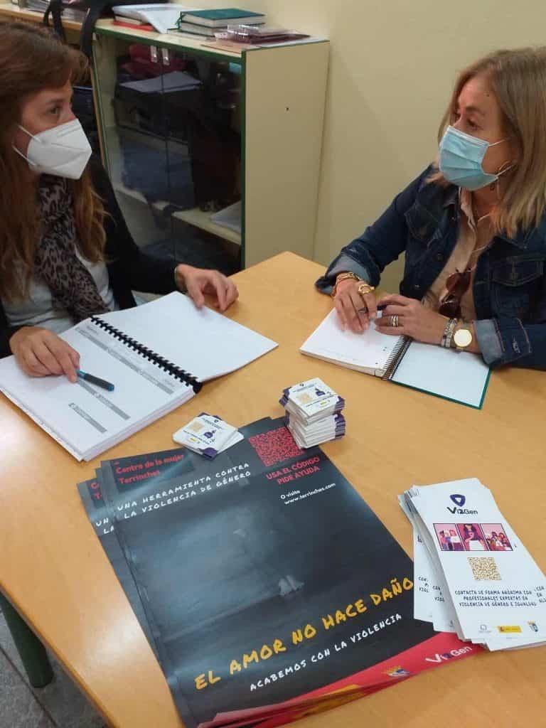 El Centro de la Mujer de Terrinches presenta la herramienta contra la violencia de género Vi2Gen en los IES del Campo de Montiel